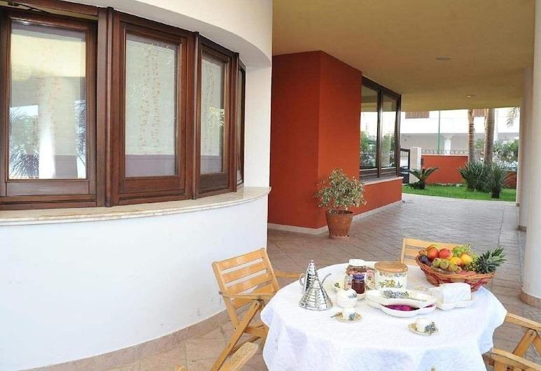 Simplistic Holiday Home in Taurisano With Balcony, Taurisano, Casa, Balcone