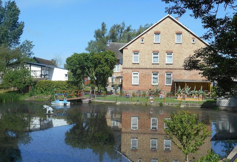 Pleasing Apartment in Klein Pravtshagen With Jetty, Garden, BBQ, Kalkhorst, Appartement, Extérieur