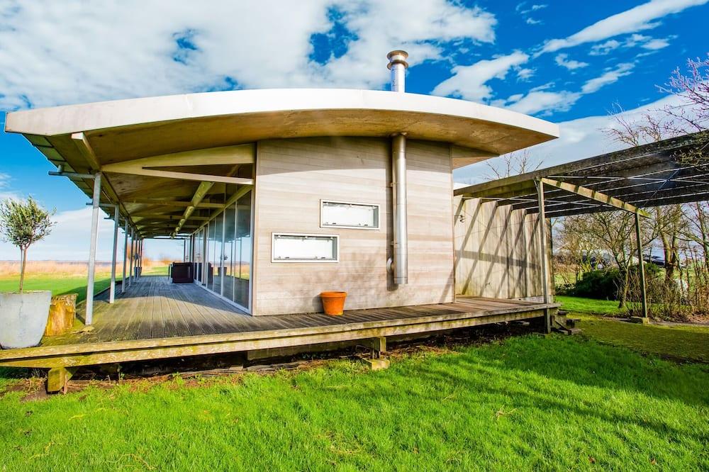 Pleasant Holiday Home in Gaastmeer With Sauna