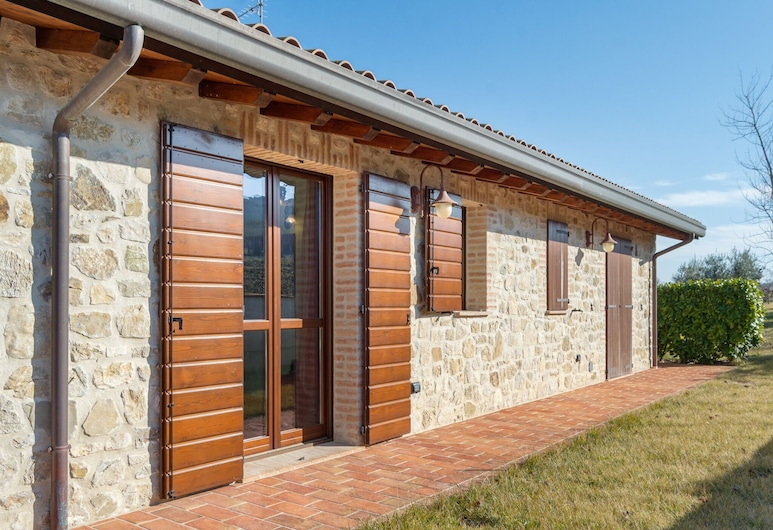 Luxurious Holiday Home in Marsciano With Swimming Pool, Marsciano
