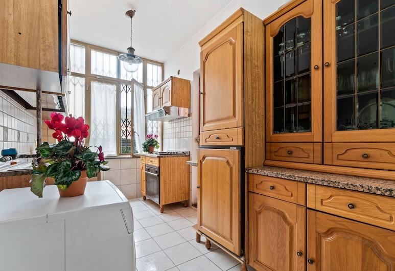Pleasant Apartment in Pimonte With Veranda, Pimonte, Διαμέρισμα, Ιδιωτική κουζίνα