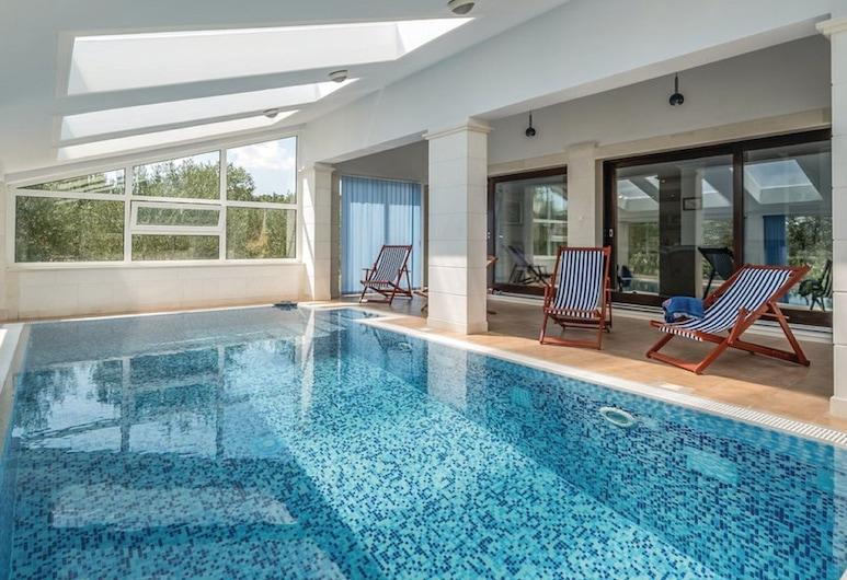 Mirna kuća za odmor s bazenom za plivanje u Velikom Broćancu, Klis, Bazen