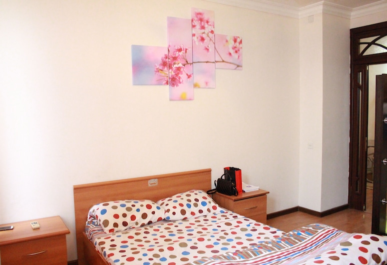 Nizami Center Hostel, Baku, Quadruple Room, Shared Bathroom, Guest Room