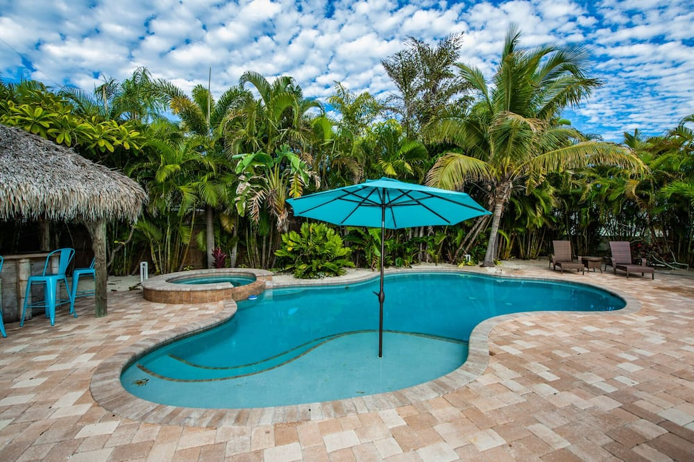 House, Multiple Beds, Private Pool, Pool View - Pool
