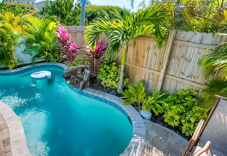 Island Hideaway, Holmes Beach, Cottage, 1 King Bed, Private Pool, Pool View, Pool