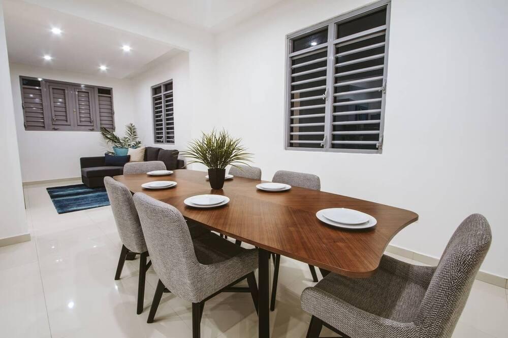Apartamento Standard, 3 Quartos, Não-fumadores (Apartment 3) - Refeições no Quarto