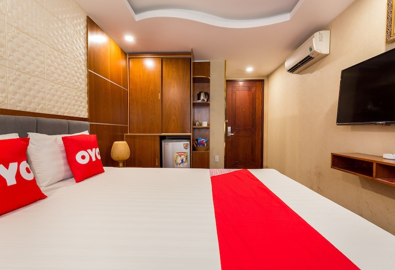 OYO 1108 Iboss Hotel, Ho Chi Minh City, Standard Double Room, Guest Room
