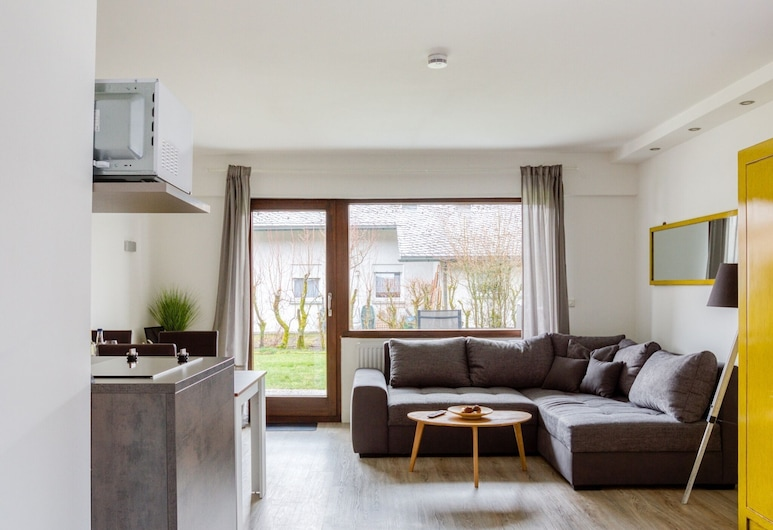 Alluring Holiday Home in Winterberg With Garden, Winterberg, Oturma Odası