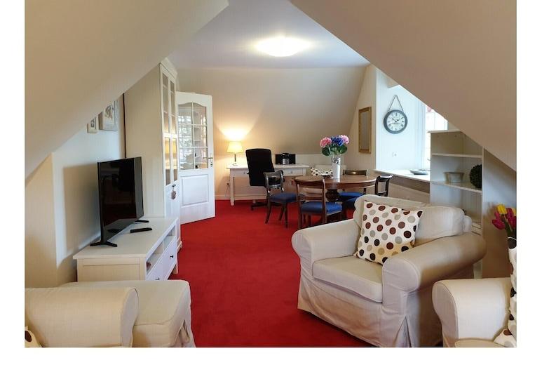 Villa Royal, Flensburg, Apartment (incl. 100 EUR Cleaning Fee), Living Room