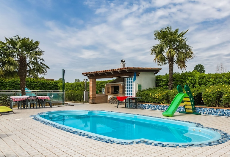 Beautiful Holiday Home in Zelarino With Swimming Pool, Mestre, Zwembad