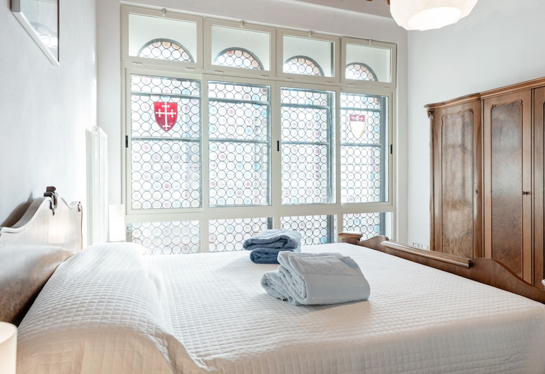 Exclusive Corso Italia Penthouse, Pisa, Apartment, 3 Bedrooms, Room