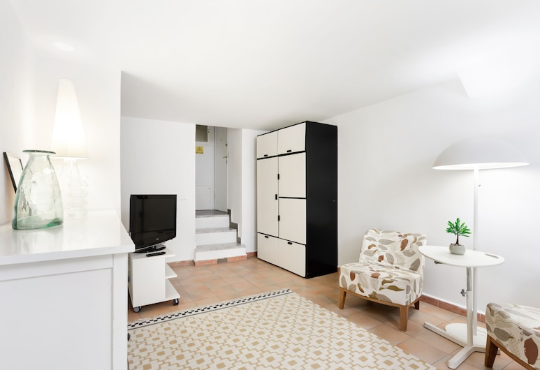 Vittorio Emanuele Modern Apartment, Palermo, Apartment, 1 Bedroom, Living Area