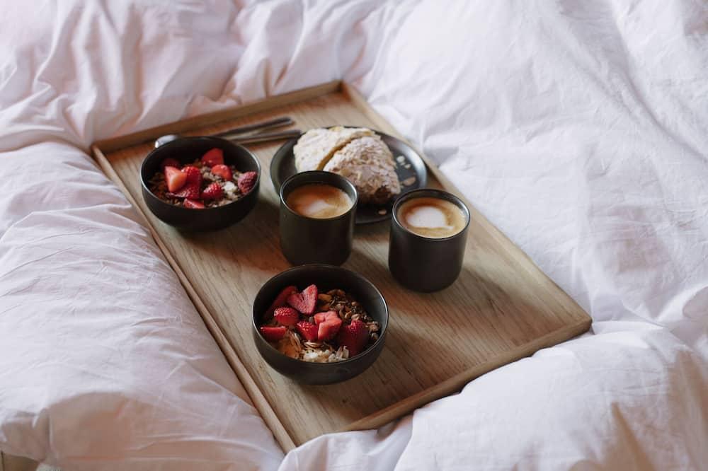 Стандартный двухместный номер с 1 двуспальной кроватью (Dunes) - Обед в номере