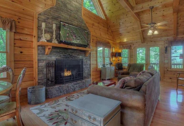Absolute Bliss Lodge by Escape to Blue Ridge, Morganton, Ferienhütte, 2Schlafzimmer, Wohnzimmer