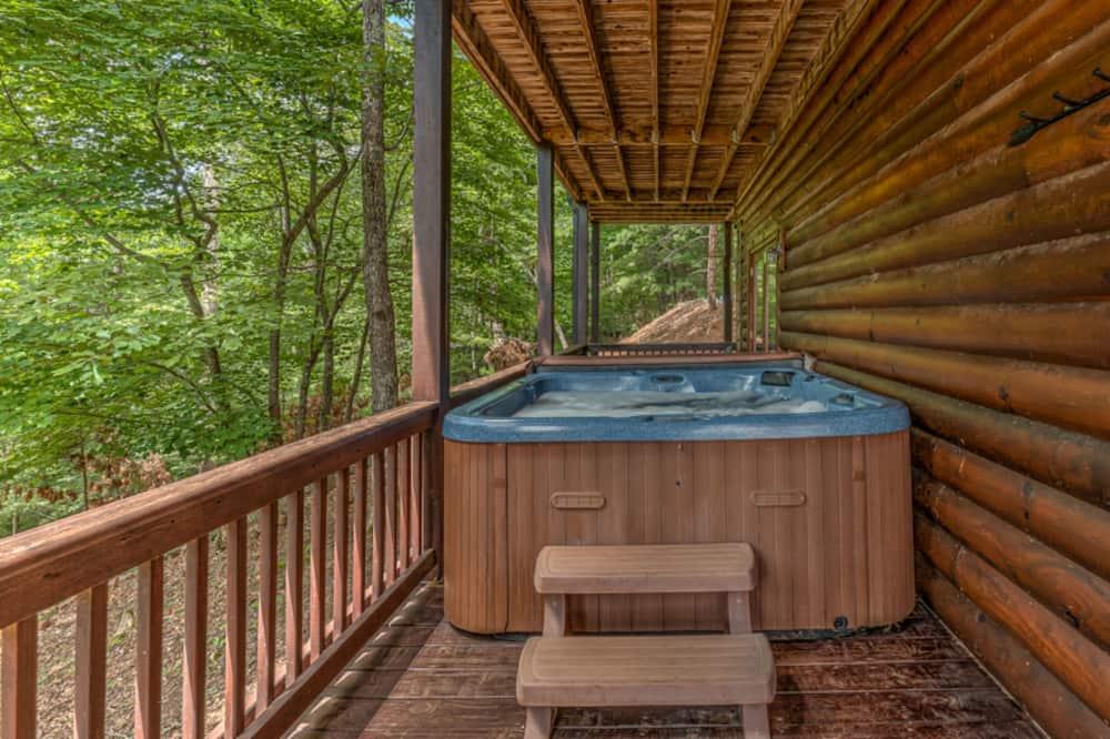 キャビン 5 ベッドルーム - 専用スパ用浴槽