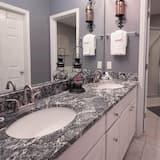 Apartamento em Condomínio Fechado, 1 Quarto - Casa de banho