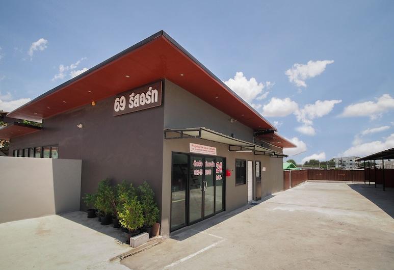 OYO 939 69 Resort, Si Racha, Exterior