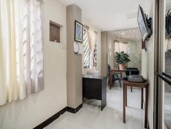 Picture of OYO 604 Chateau Cinco Dormitel - Hostel in Davao