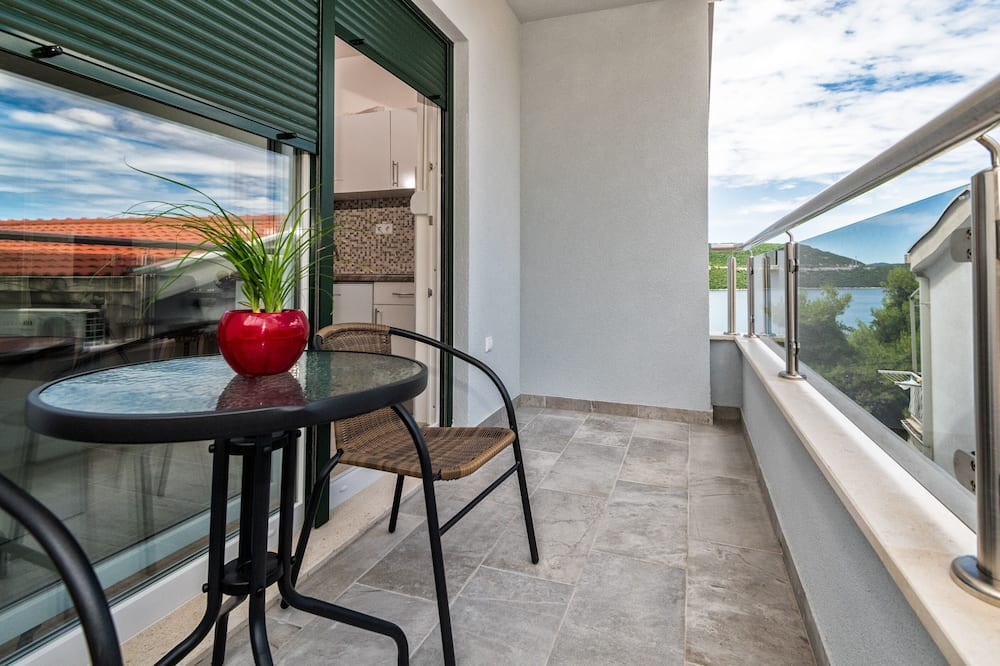 Studio, Partial Sea View - Balcony