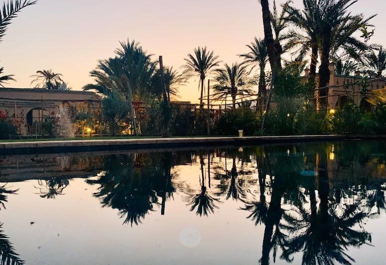 Dar Hnini, Oulad Yahia Lagraire, Εξωτερική πισίνα