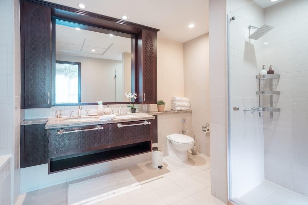 アパートメント 3 ベッドルーム - バスルーム
