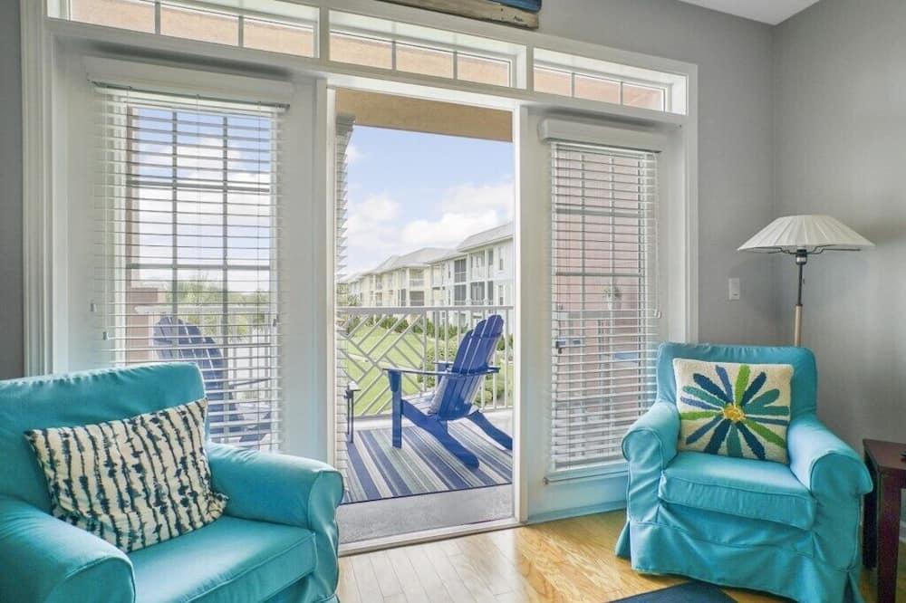 Condo, Multiple Beds, Balcony, Garden View - Living Room