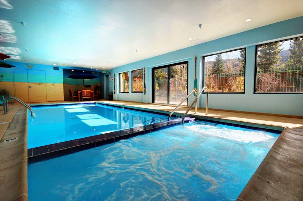 公寓客房, 1 張加大雙人床, 渡假村景觀 (Gateway Lodge 5031) - 游泳池