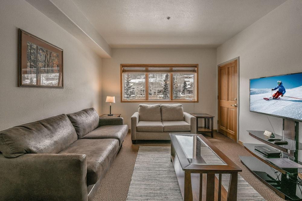 公寓客房, 1 張加大雙人床, 渡假村景觀 (Gateway Lodge 5031) - 客廳