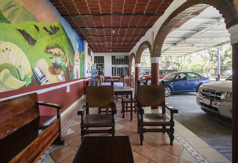 Hotel Juanitos, Jala, Tempat Duduk di Lobi