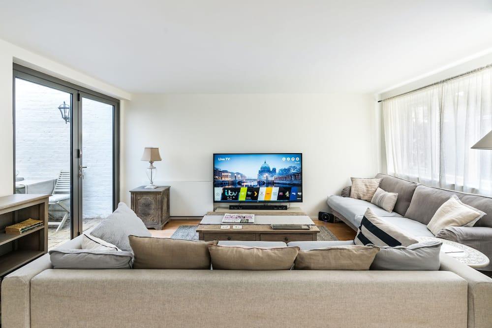Dom (3 Bedrooms) - Obývačka