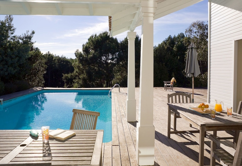 Nice Villa With a Private Swimming Pool, 900m From the Beach, Moliets-et-Maa, Вилла, Балкон