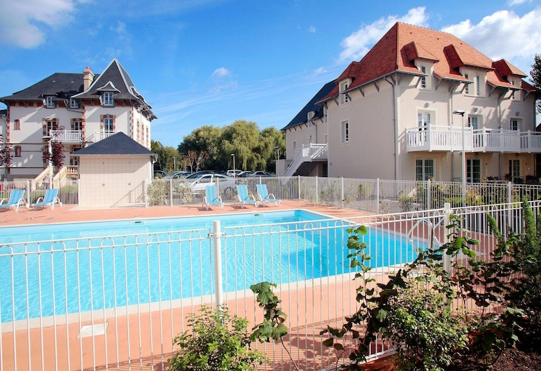 Beautiful Apartment in Local Style on a Small Residence, Cabourg, Bassein
