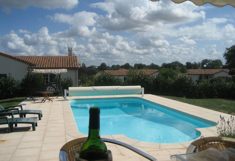 Detached Villa With Large Garden Near Beautiful Golf Course, Vasles, Pool