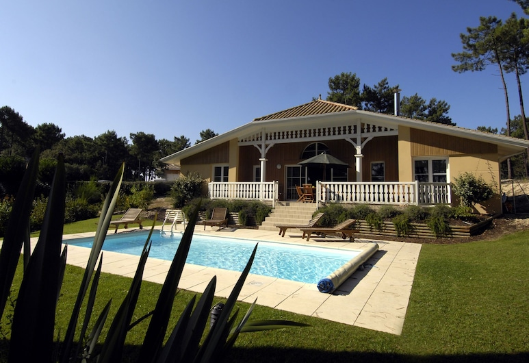 Gorgeous Villa With a Private Pool at 2 km. From the sea, Lacanau