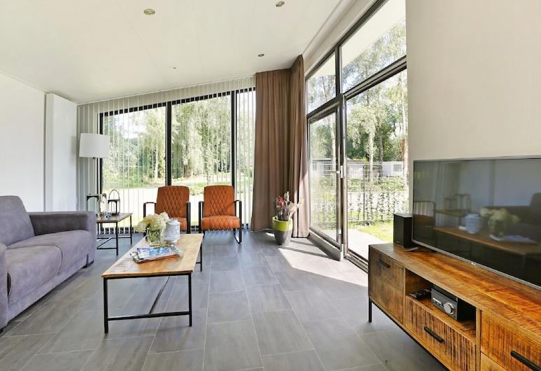 Modern Chalet With Nice Sliding Doors, Near Lochem, Lochem, Nhà gỗ, Phòng khách