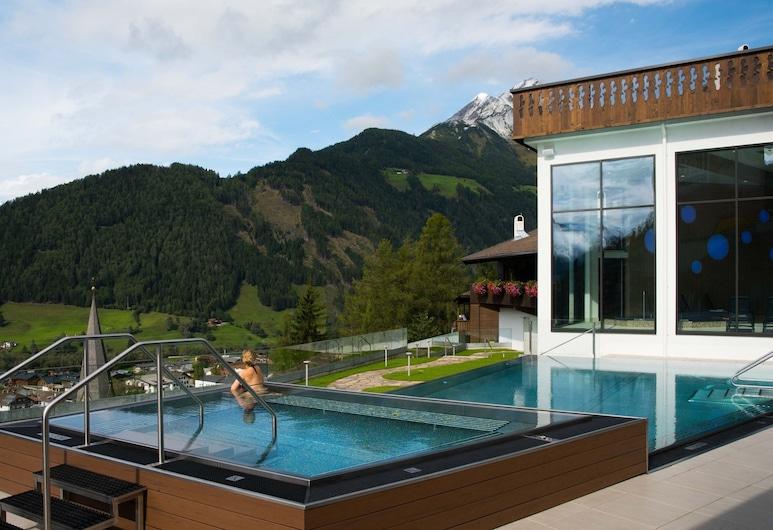 Pleasing Apartment in Matrei in Osttirol With Infrared Sauna, 東蒂羅爾地區馬特賴, 泳池