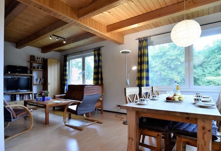 Expansive Holiday Home in Mecklenburg Near Baltic Sea, Boddin, Living Room