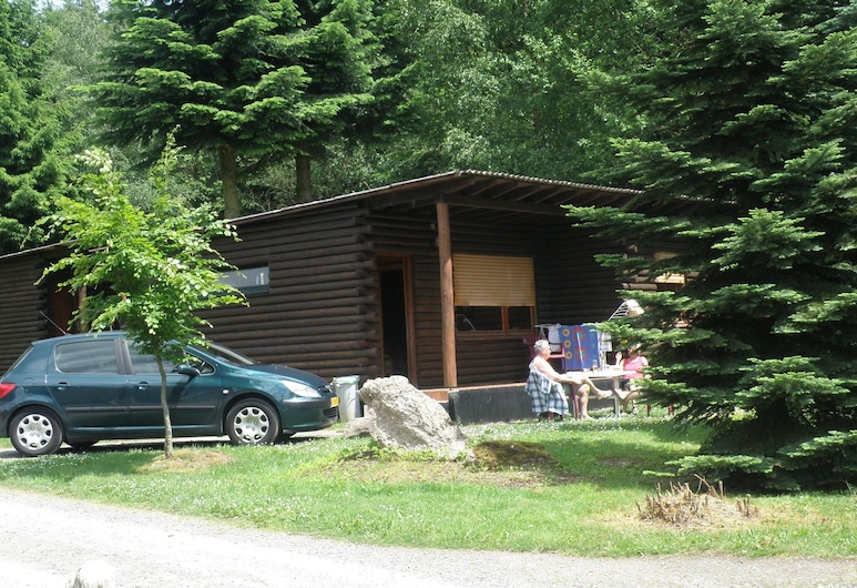 Tidy Furnished Wooden Chalet, Located Close to the Forest, Buchet, Exterior
