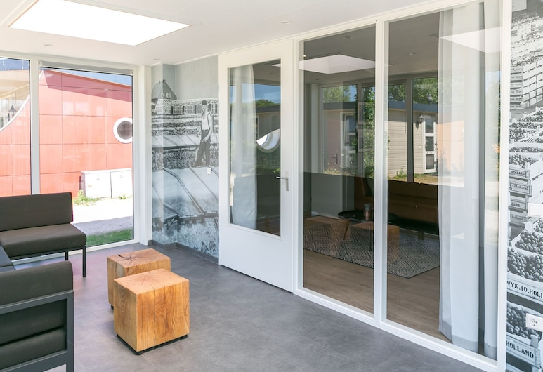 Modern Holiday Home With Conservatory at 200m From the Beach, 's-Gravenzande, Casa, Sala de Estar