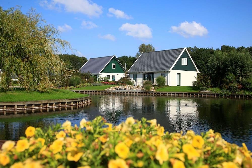 Detached Villa With Washing Machine, Around a Lake Area