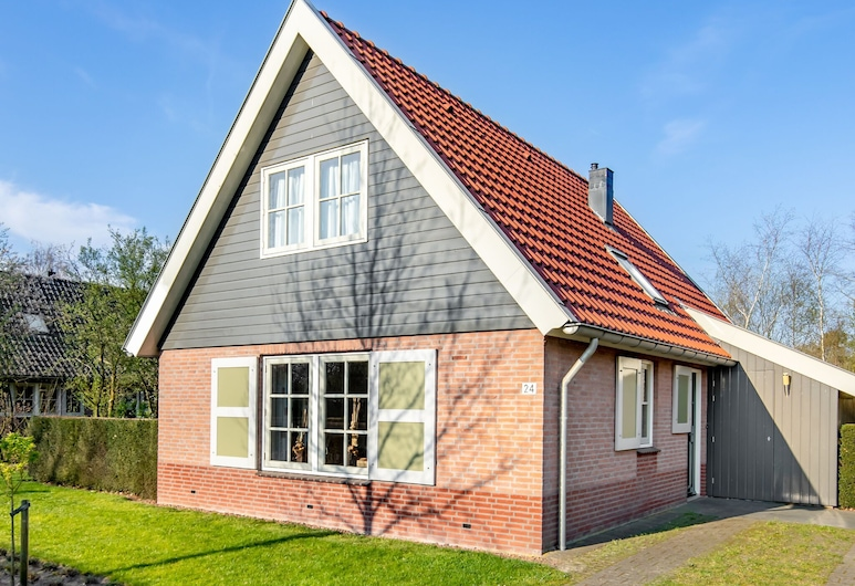 Detached Holiday Home With a Dishwasher 2 km. From Appelscha, Appelscha