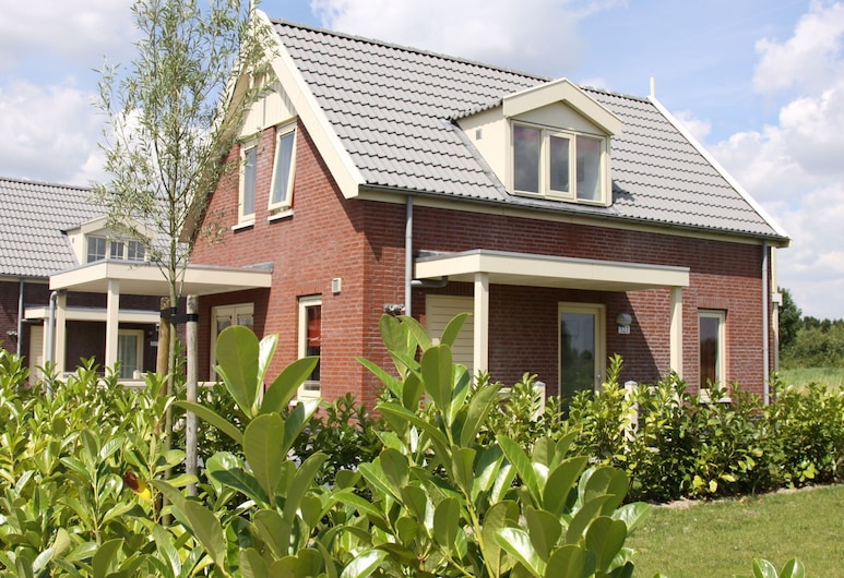 Comfortable Villa With Combi Microwave, Located in Nature, Simonshaven
