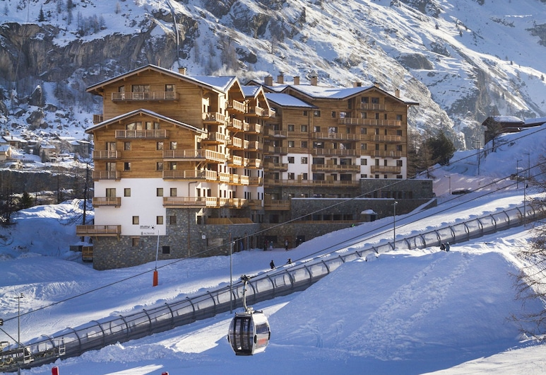 Attractive Apartment in a Chalet Directly on the ski Slope, Tignes
