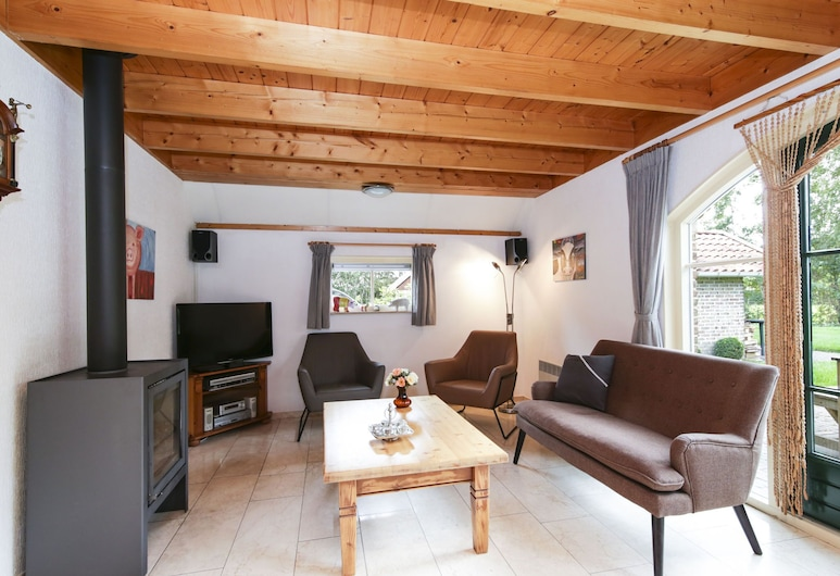 Comfy Holiday Home With a Dishwasher, Near Meppel, IJhorst, House, Living Room