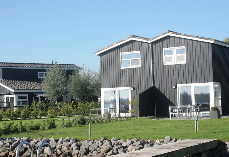 Comfortable Villa With Combi-microwave, Near Terherne, Terherne
