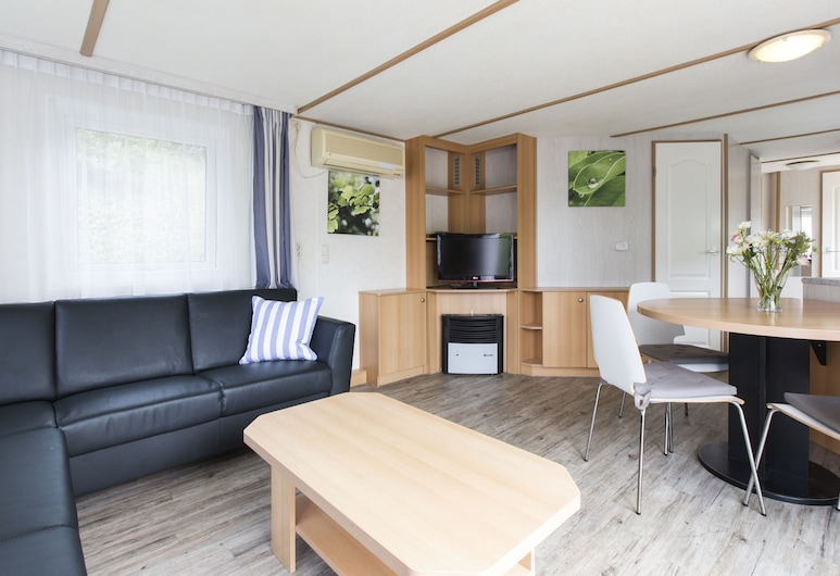 Comfortable Chalet With Dishwasher, in a Car-free Zone, Arcen, Domek, Salon