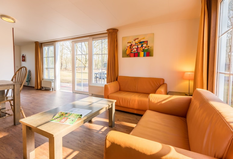 Tasteful Chalet With Combi-microwave, Next to a Nature Reserve, Borger, Domek, Salon