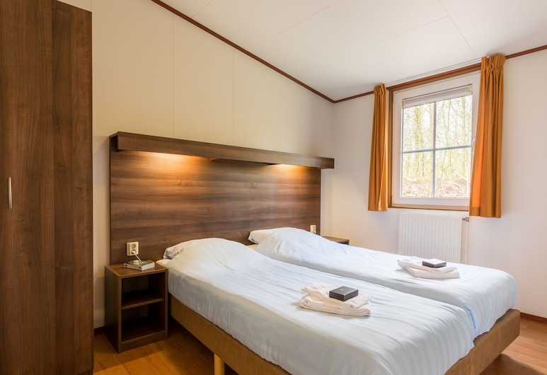 Cosy Chalet With Combi-microwave, Next to a Nature Reserve, Боргер