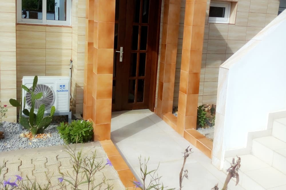 Семейный люкс, смежные номера - Вид на двор