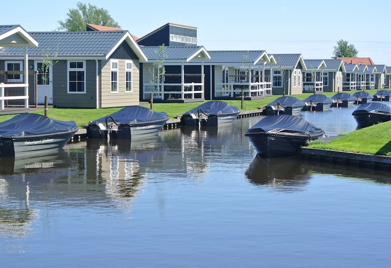 Modern Lodge With an Electric Sloop in Giethoorn, Giethoorn